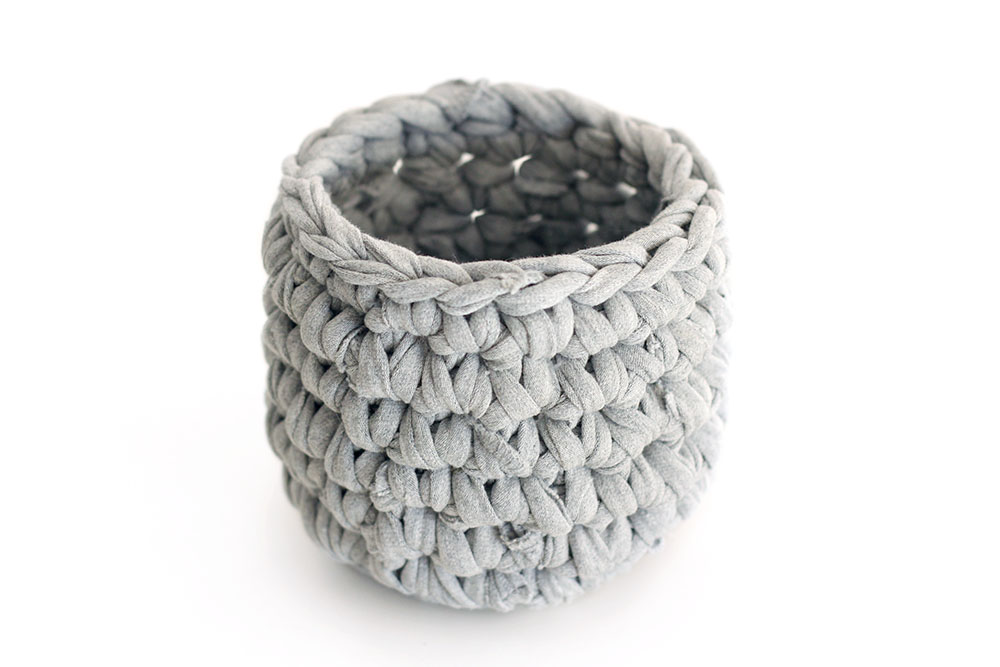 Sweat_Pants_Crochet_Planter_DIY_05b