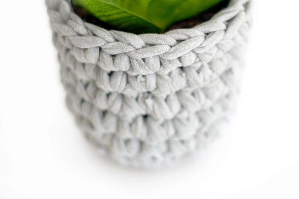 Sweat_Pants_Crochet_Planter_DIY_06