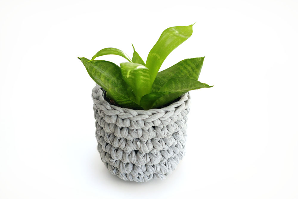 Sweat_Pants_Crochet_Planter_DIY_07